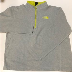 The North Face sweater size M